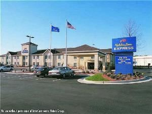 Holiday Inn Express Shelby @ Hwy 74