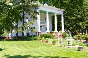 Ruddick Nugent House Bed & Breakfast