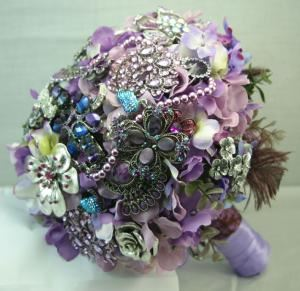 Affluence Brooch Bouquets