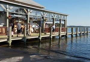 Bubba's Seafood Restaurant and Crabhouse