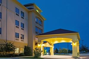 La Quinta Inn and Suites Fort Worth NE Mall