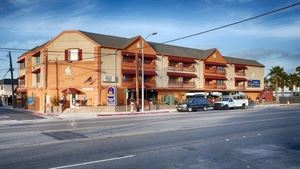 Best Western - Harbour Inn & Suites